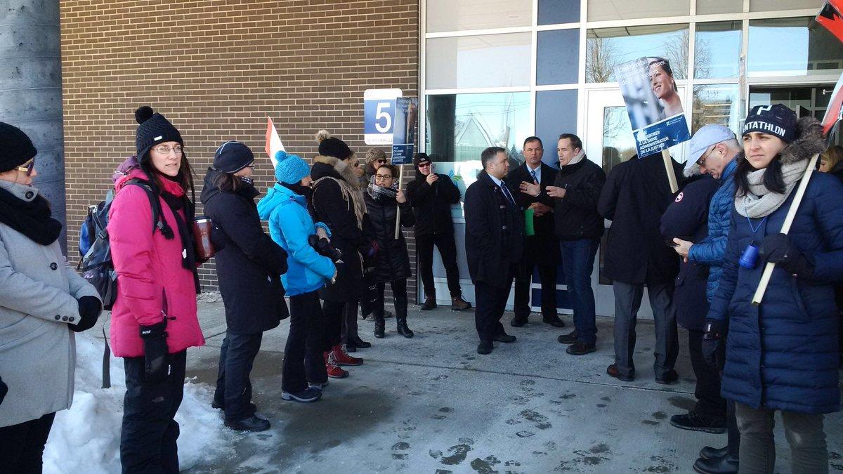 Rencontre ce matin des juristes de l&#39;état en grève avec @SebastienProulx #LANEQ #polqc #assnat @pierremoreauplq @phcouillard<br>http://pic.twitter.com/LsRL19MSwa