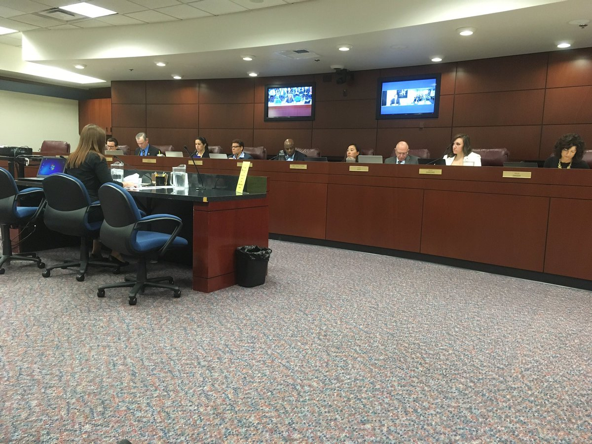 Senate committee discusses bill to raise minimum wage in Nevada. (KOLO photo)