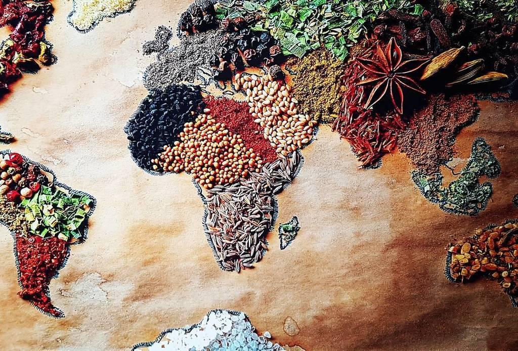 Natuerlichaufreisen on twitter am wiener naschmarkt spices map natuerlichaufreisen on twitter am wiener naschmarkt spices map food worldmap gewrze weltkarte reisen essen httpstyxtbgwkhvf gumiabroncs Gallery