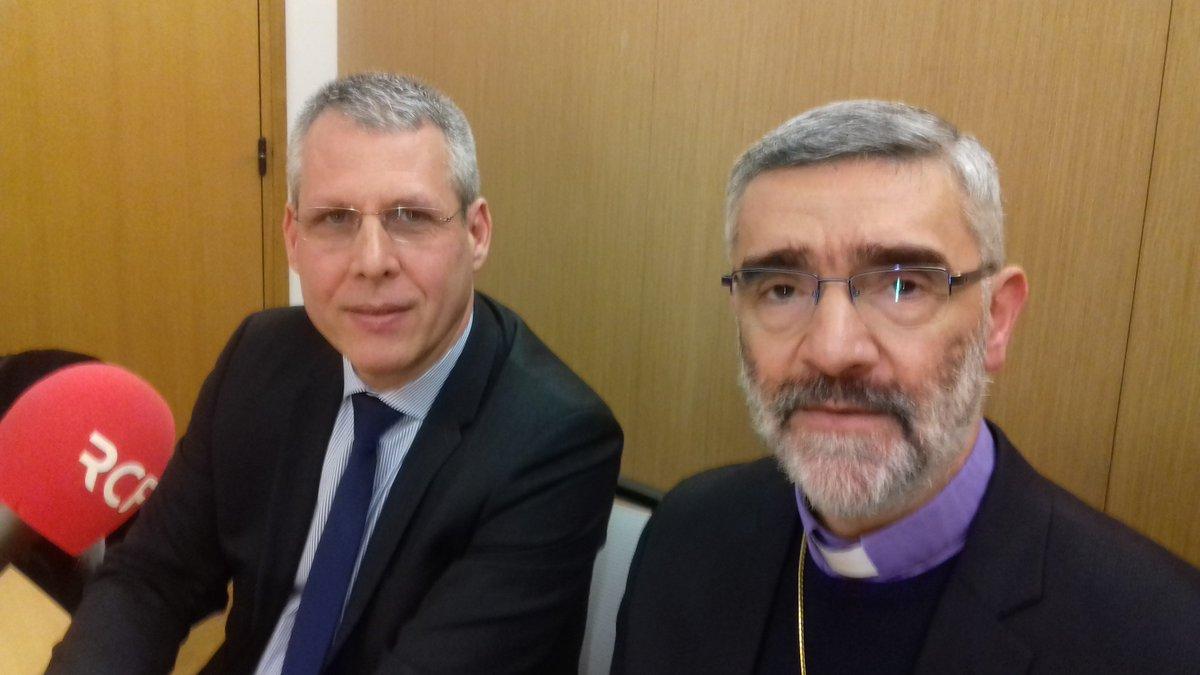 L&#39;archevêque d&#39;#Alep #Syrie et @Meunier_Ph vice-pst @auvergnerhalpes invités à 18h25 d&#39;@Elmo_Elise  https:// rcf.fr/actualite/larc heveque-dalep-la-rencontre-des-elus-dauvergne-rhone-alpes &nbsp; …  @diocesedelyon<br>http://pic.twitter.com/IY8NycoP3v