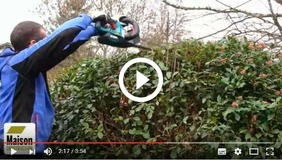 Nouvelle #vidéo sur notre chaîne #Youtube : Test taille haie sans fil Bosch 54-20 Li  @Bosch_bricolage  &gt;  http:// ow.ly/kRTQ3093XrF  &nbsp;  <br>http://pic.twitter.com/tgUn4wkJfQ