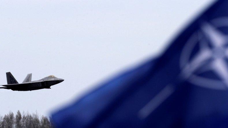 Quatre pays de l'#OTAN préféreraient la #Russie aux #EtatsUnis... Quels sont-ils ? Réponse  https:// francais.rt.com/international/ 34192-quatre-pays-otan-preferent-russie-pas-usa &nbsp; … <br>http://pic.twitter.com/AxdDXGeo3P