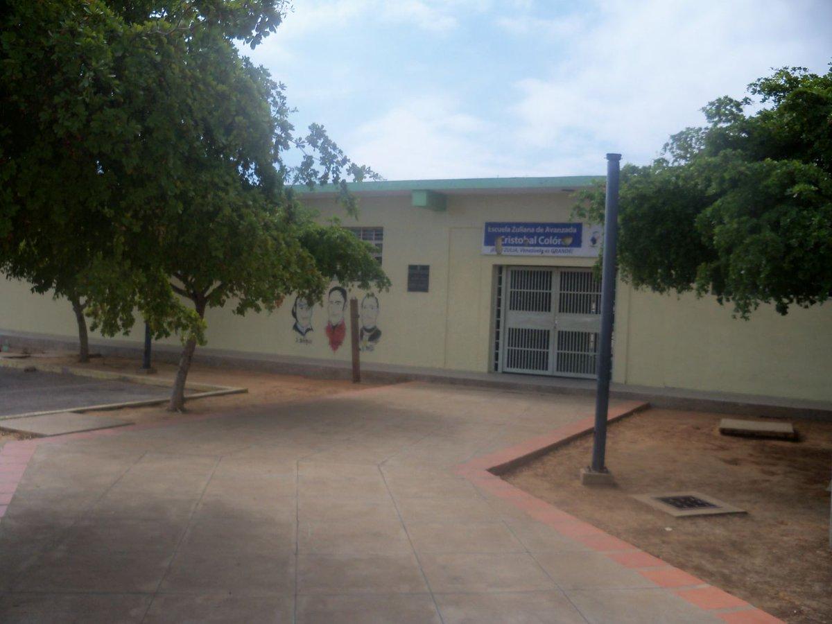 El hampa aplaza a las escuelas del Zulia https://t.co/5rl7on77nj https...