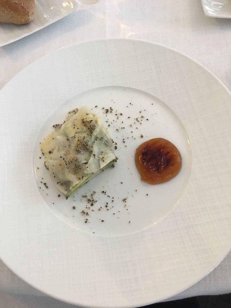 #Déjeuner pédagogique pour les #étudiants en #cuisine et #pâtisserie intermédiaire au @pavillonledoyen avec #chef @Chef_YAlleno<br>http://pic.twitter.com/hxRumB5n7u
