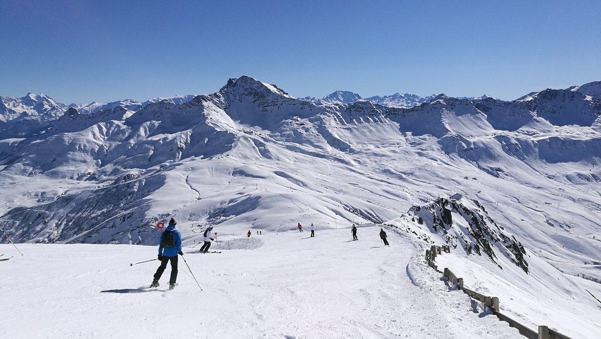 Une magnifique journée de #ski à #MySFL !  #snow #sun  #maurienne #savoiemontblanc @Labellemontagne<br>http://pic.twitter.com/ZNWGi5kmgJ