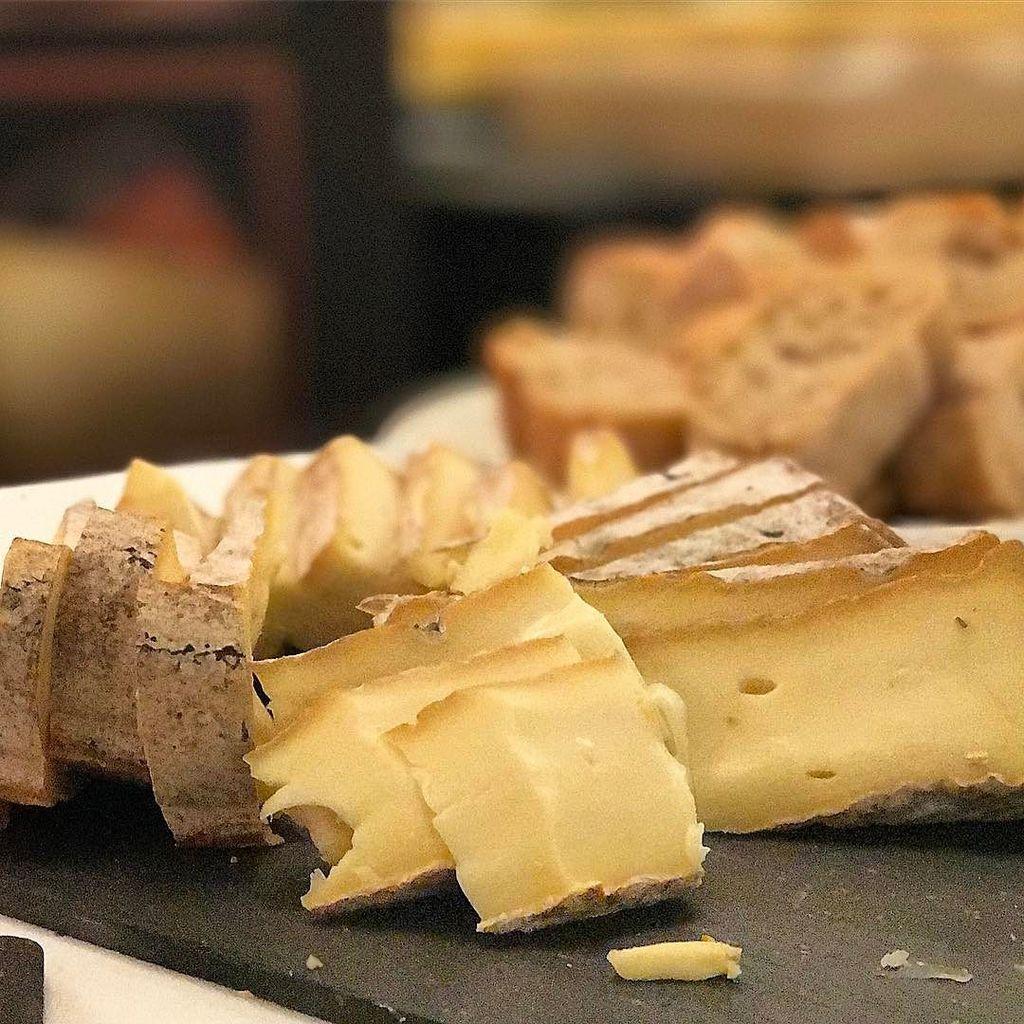 J&#39;ai remis le nez dans le saint nectaire  Grosse journée fromage sur le #cheeseday #from…  http:// ift.tt/2lCZZVr  &nbsp;  <br>http://pic.twitter.com/yaHrnxkwyI