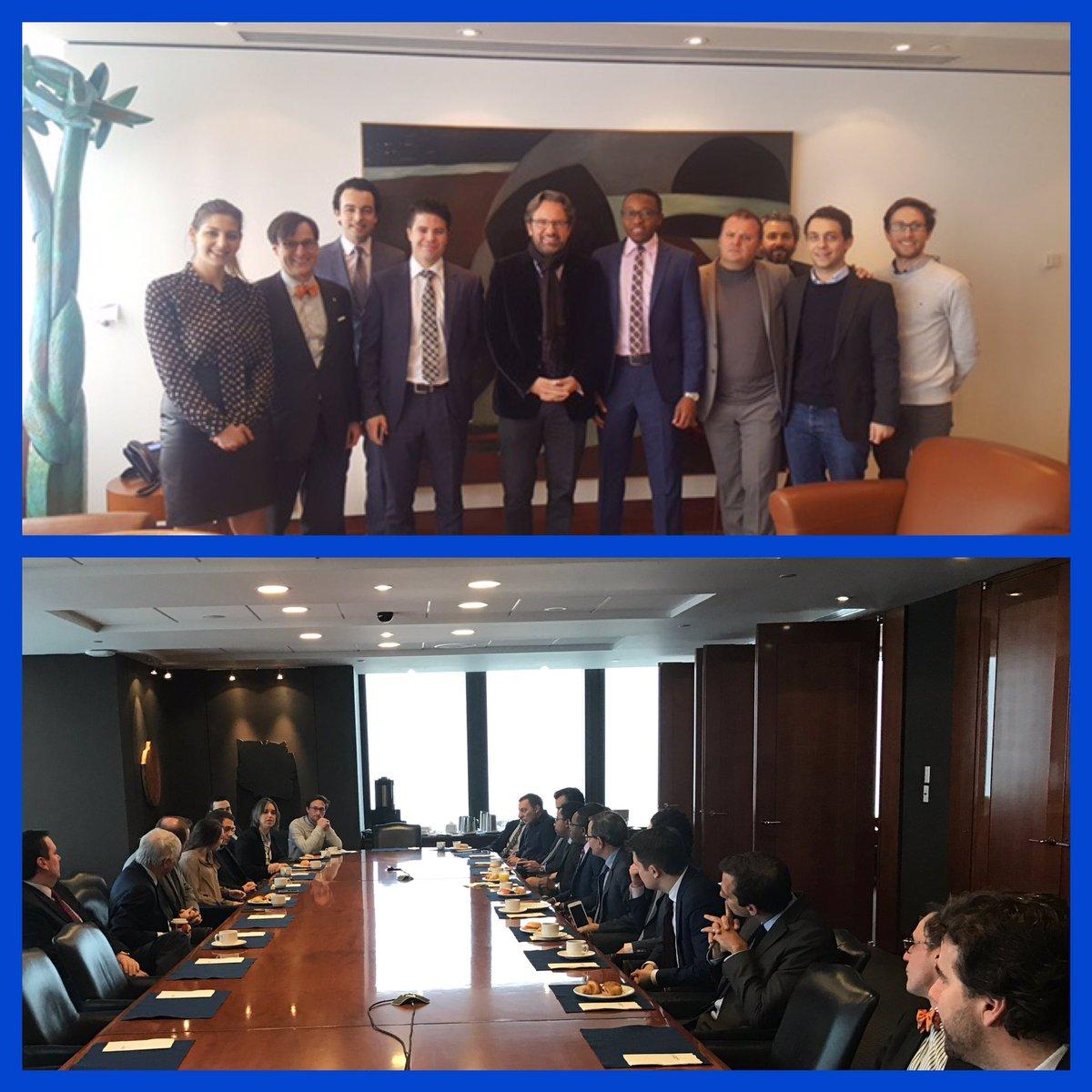 Rencontre avec chefs d&#39;entreprises Français,avocats &amp;étudiants sur #CETA &amp;la coopération #France #Quebec  Une chance réciproque ! #Montreal<br>http://pic.twitter.com/HSPYb9E9Bq