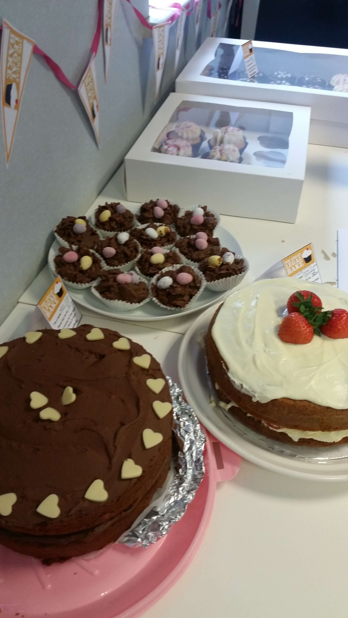 Thank you to our very kind team members for baking some delicious cakes for the #GreatLegalBake today!   #Charity #Fundraising https://t.co/j845qnLsjQ