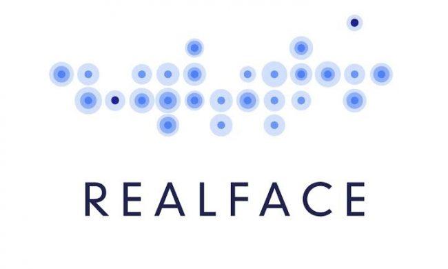 [#SMARTPHONES] Apple rachète #RealFace, spécialiste de la reconnaissance faciale →  http:// bit.ly/2kZIf3m  &nbsp;  <br>http://pic.twitter.com/2O8x6KPzSE