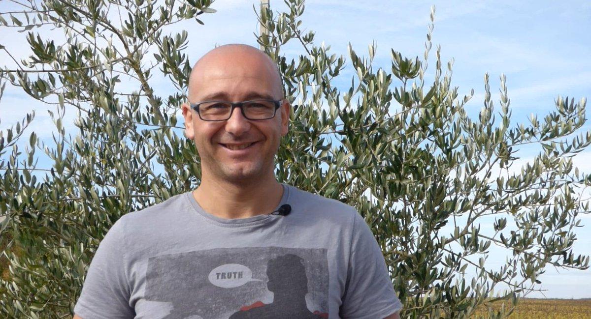 [INTERVIEW] Julien Clouzeau, triathlète #IronMan pour l&#39;association #LLNathan, ce soir à 18.30 et demain 6.30 / 7.30 / 8.30 sur @NrjNiort<br>http://pic.twitter.com/T8bj5zmDjZ