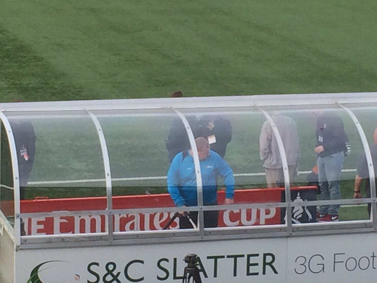 Sutton sub goalkeeper Wayne Shaw hoovering the dugouts pre-match 😂👏 ht...