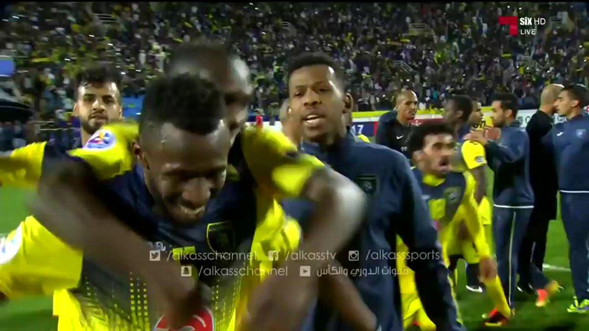 فيديو : تحية لاعبي فريق #التعاون السعودي للجماهير بعد الفوز على #لوكوم...