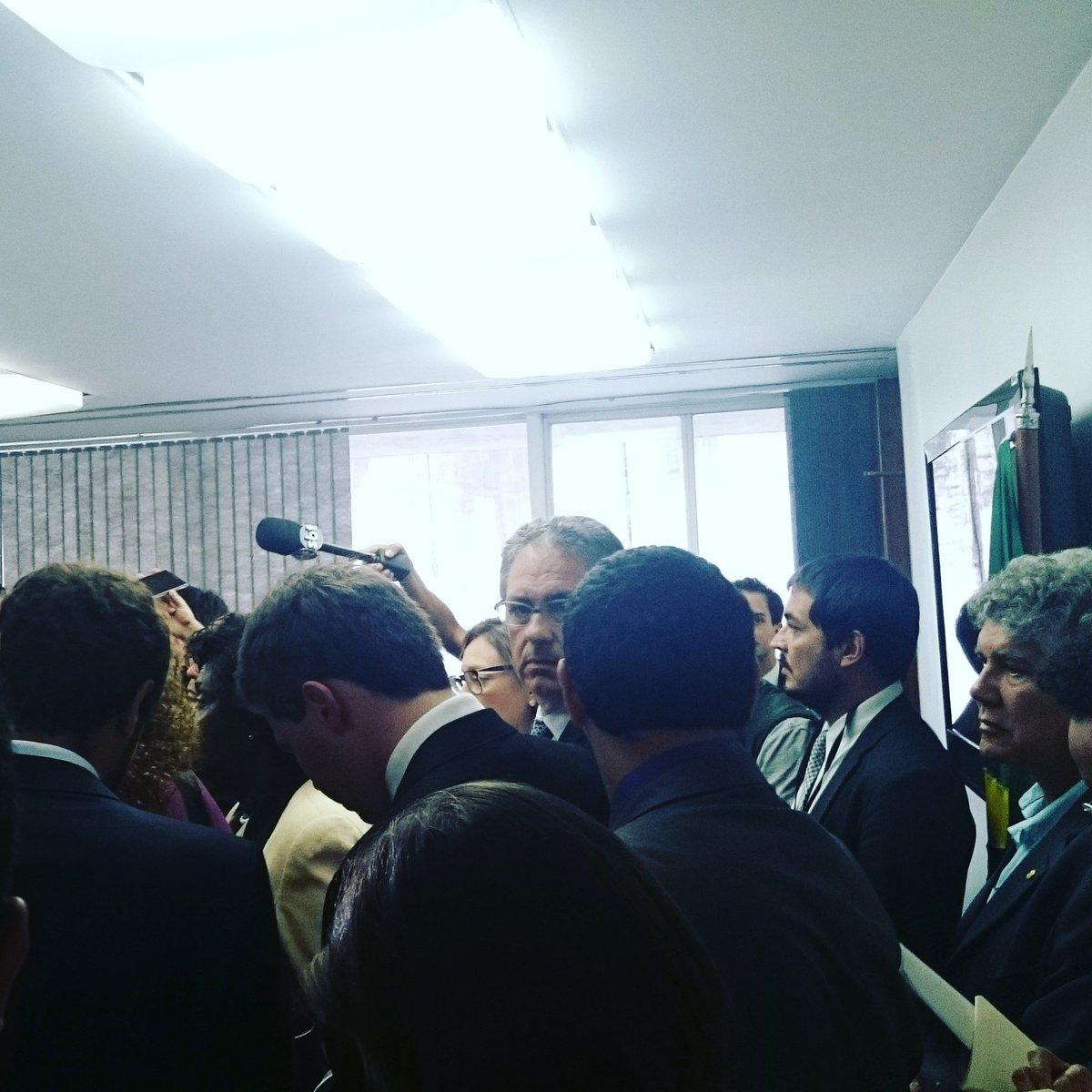 Abaixo-assinado contra a indicação do Alexandre de Moraes no Senado. S...