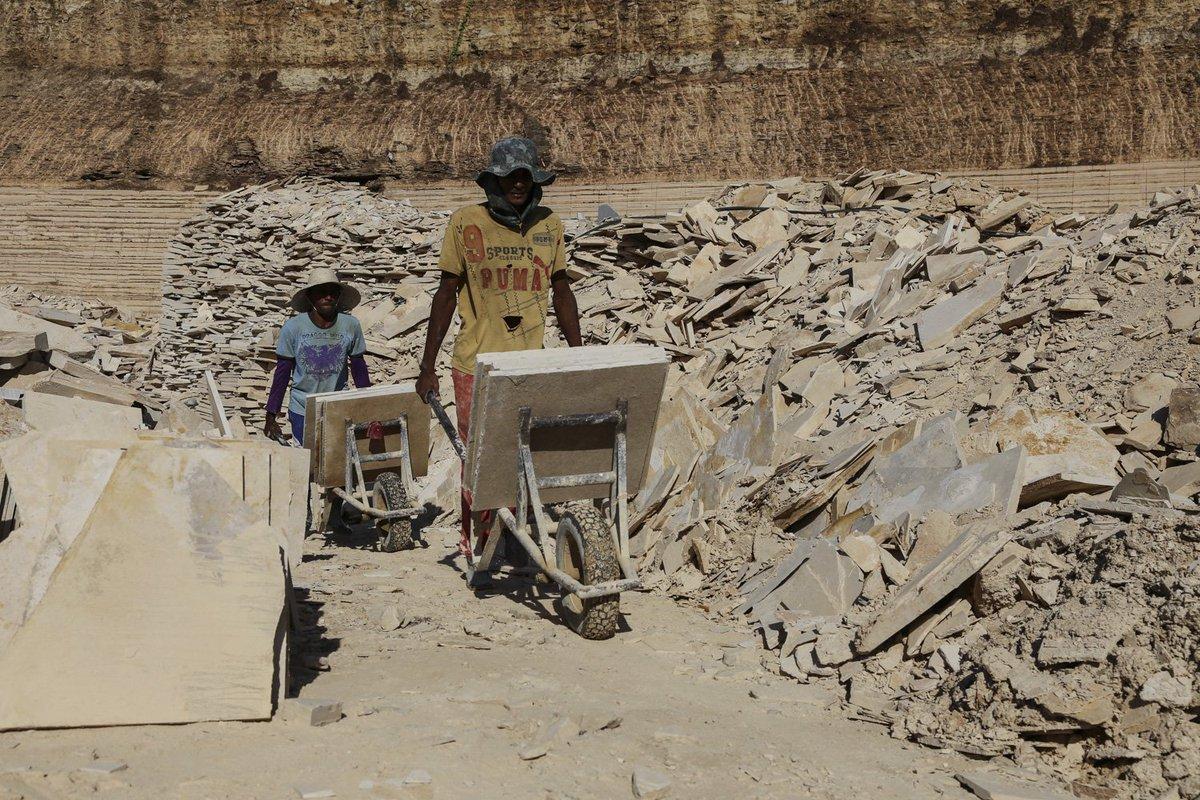 #Brésil: ces fossiles du nordeste qui enrichissent les trafiquants internationaux  http:// ow.ly/GAKd3053CBj  &nbsp;   @jmAlbertini<br>http://pic.twitter.com/yG5yFAyWYn