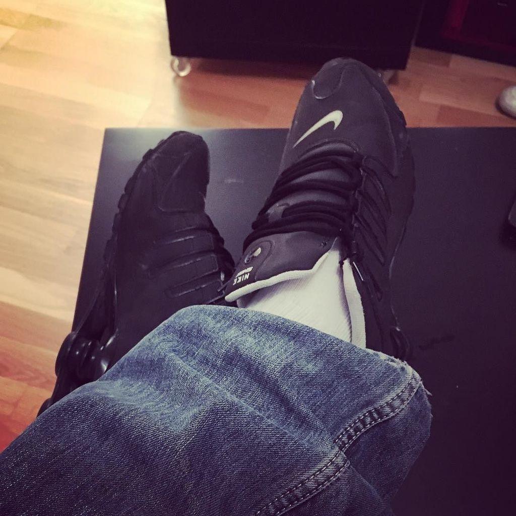 Les pieds sur la table  #sneakers #sneakerhead #sneakerfetish #socks #socksfetish #lacost…  http:// ift.tt/2m5bUZP  &nbsp;   <br>http://pic.twitter.com/baJFC2YE3f