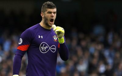 #UnderArmour signe le gardien international anglais Fraser Forster  http://www. sportspromedia.com/news/under-arm our-signs-fraser-forster &nbsp; …  Attention #Adidas et #Nike : ils arrivent... <br>http://pic.twitter.com/IASZfiVMxL