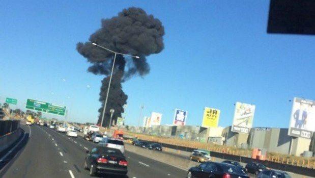 Tragedia a Melbourne: aereo cade sopra supermercato