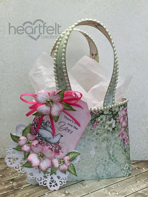 Another versatile and fun use for your papers: Valentine's Day Tote Bag (tutorial)