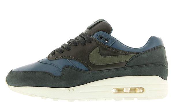 Sortie du jour NikeLAB Air Max 1 Pinnacle Jade Khaki &gt;  https:// goo.gl/4LW1Pi  &nbsp;   #sneakers #nike<br>http://pic.twitter.com/WuMa10sGnb