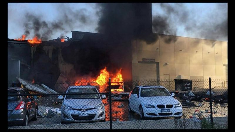 5 dead after light charter plane crashes into a Melbourne retail outlet. Plane may experience engine failure
