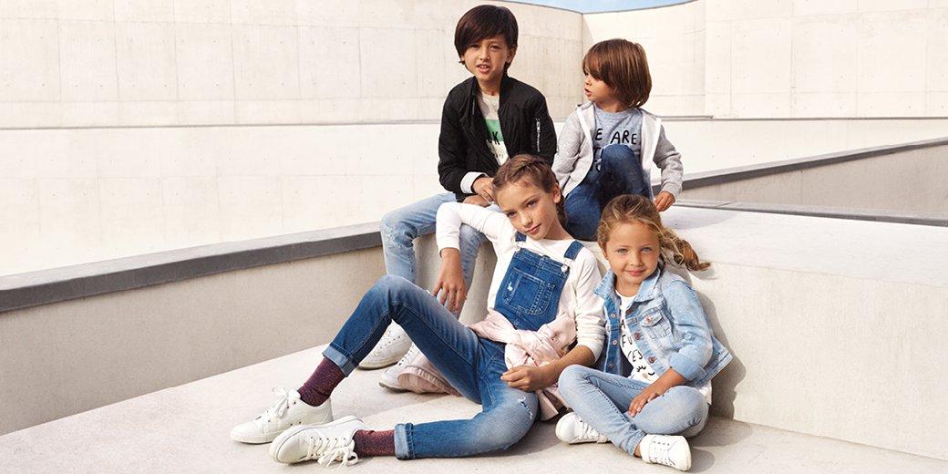 Dynamise la garde-robe de tes bambins avec d'adorables nouveaux looks:  http:// l.ctx.ly/r/17ea5  &nbsp;   #HMKids #DenimDays<br>http://pic.twitter.com/v1P6CLztxo