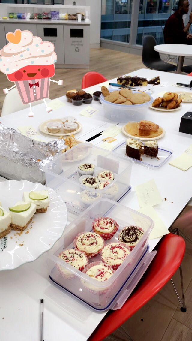 Baked cupcakes for the #GreatLegalBake at Thomson Reuters @londonlegal ☺️ https://t.co/i3l1VhwcDc