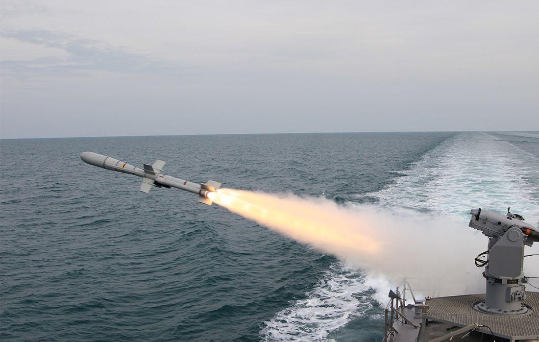 الصواريخ المضادة للسفن ..Anti-ship missiles C5LFWz4WAAEK-zi
