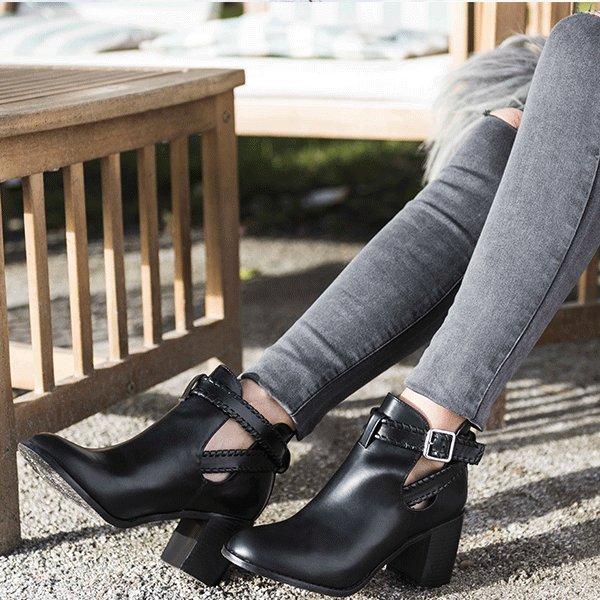 Les petites nouvelles en boutique ! (39€99)  #boots #ootd #outfit #outfitoftheday #fashionblog #nantes #vannes #bordeaux<br>http://pic.twitter.com/IXHnp1KvsL