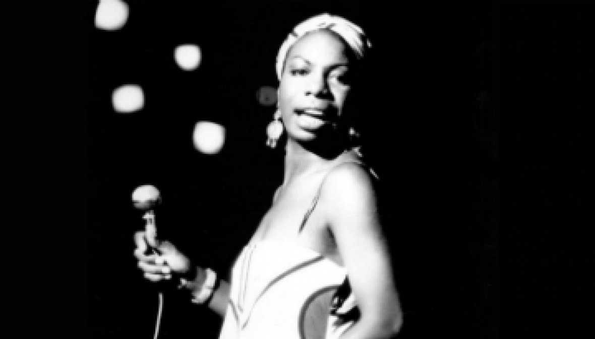 ¿Habéis oído esta versión del 'My way' en la voz de Nina Simone? MA-RA...