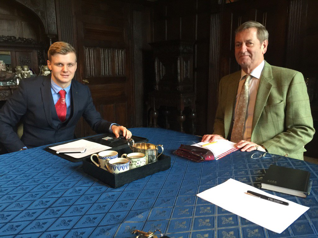 RT @thecountyclub Great interview with Michael More-Molyneux of @LoseleyPark for our blogg with Oli from @TeamAirSocial @VisitSurrey