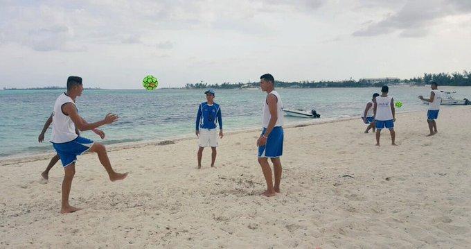 Campeonato de CONCACAF 2017 en Bahamas. C5M0ipzUYAAQ3_l