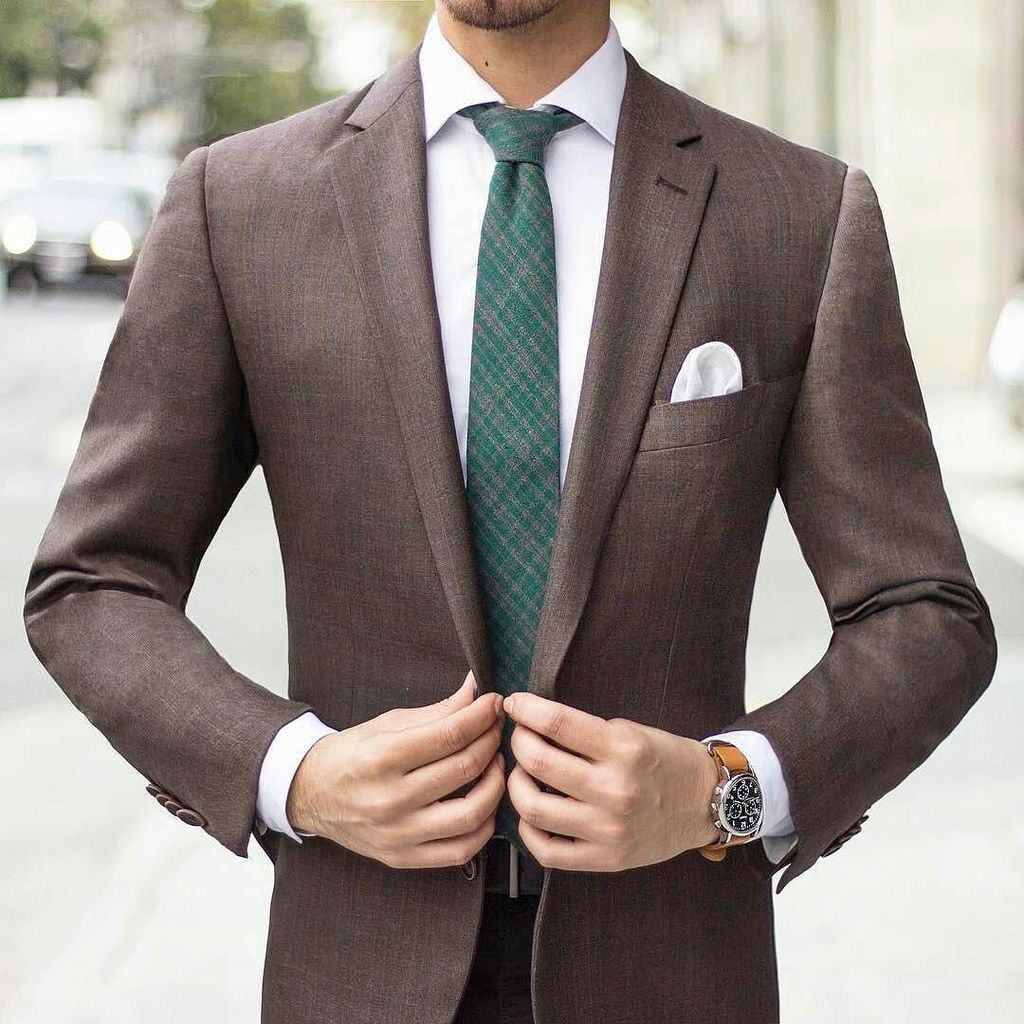 Green tie &amp; brown jacket combo by @unbearablystylish #ties #businessstyle  http:// ift.tt/2kUoFV8  &nbsp;  <br>http://pic.twitter.com/kfZJlfhUk6