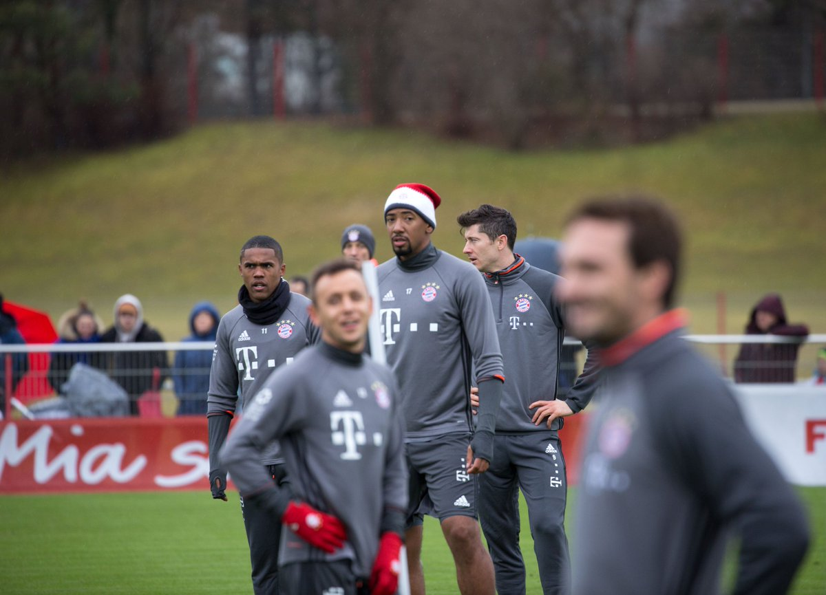 Hey there, @JB17Official! 👋#MiaSanMia #FCBHSV https://t.co/lHiCiOrK0M