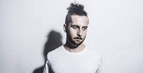 Premiere: @WeWideAwake on remix duties for @_elderbrook's new one, 'Fi...