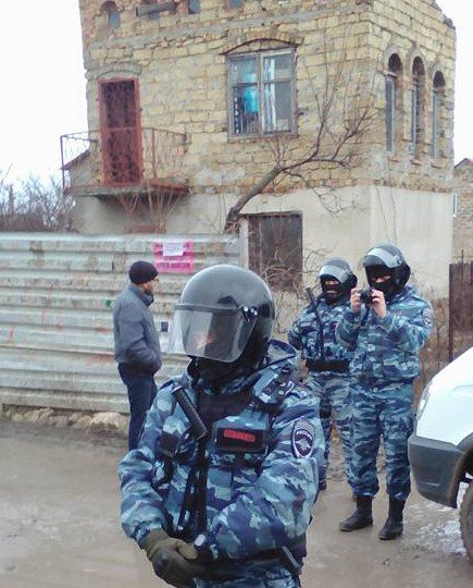 New Mass Detention of #CrimeanTatar activists in #Russia occupied #Crimea  http:// khpg.org/en/index.php?i d=1487680520 &nbsp; …    #letmypeoplego #Ukraine #Mustafaev<br>http://pic.twitter.com/WKjexURrG2