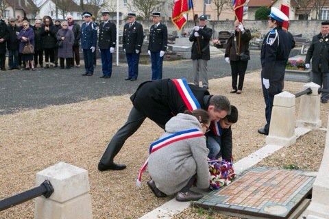 Commémoration de la bataille de #Verdun #101ans #devoirdemémoire #Conflans<br>http://pic.twitter.com/fGMxGDw0Rk