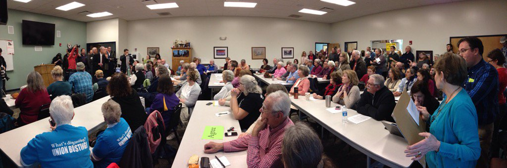 Packed room for Senator Chuck Grassley's town hall in Iowa Falls, Iowa https://t.co/KIMD89TdT7