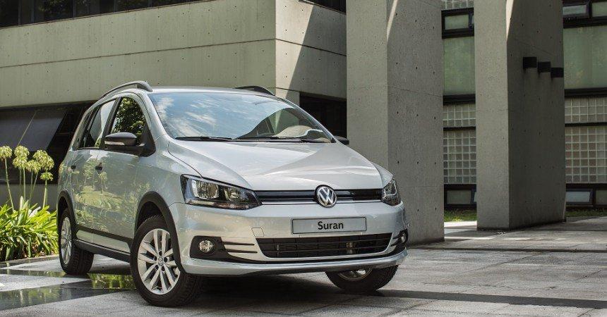 La familia #Suran de #VW se agranda. Presentaron #Track, la versión aventurera con estética #OffRoad. Leé más en  http:// kilometros.com.ar/volkswagen-sur an-track/ &nbsp; … <br>http://pic.twitter.com/CFJbSHHzkZ