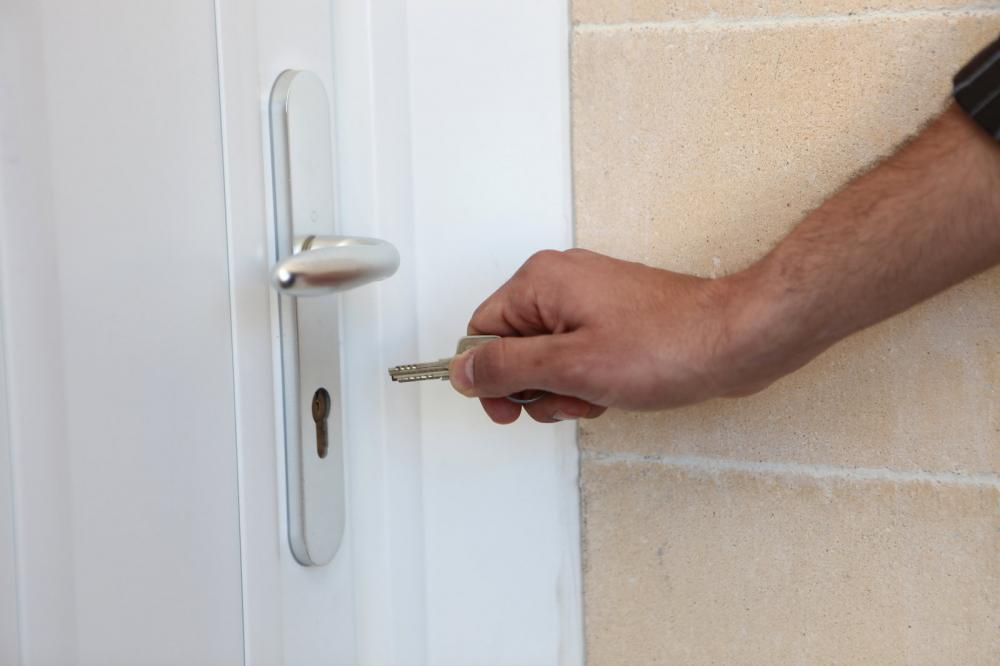 Here are some tips on how you can improve your #HomeSecurity  http:// bit.ly/2kI8FGF  &nbsp;  <br>http://pic.twitter.com/gW0MX2RBBx