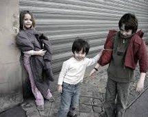 #protegeonslesenfants #triste bilan #info d sur+at minima 3 #enfants+2 femmes sont #morts #congelé à L #rue!cette hivers en #france :( #LCRI<br>http://pic.twitter.com/9FrEHptatj