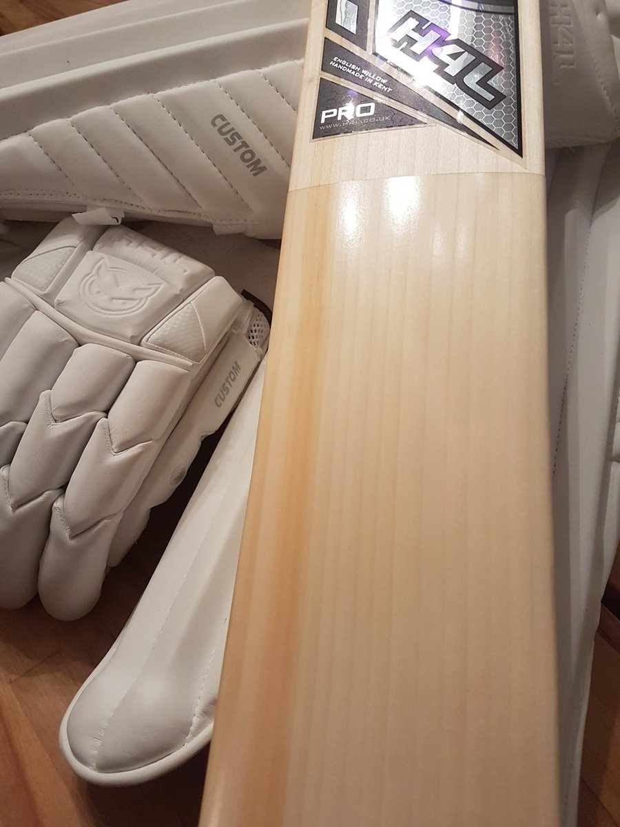 And Finished Pics Of My New Bat H4lcricket With Matching Softs The Will Look Better Than Batting But That S Life Pic Twitter