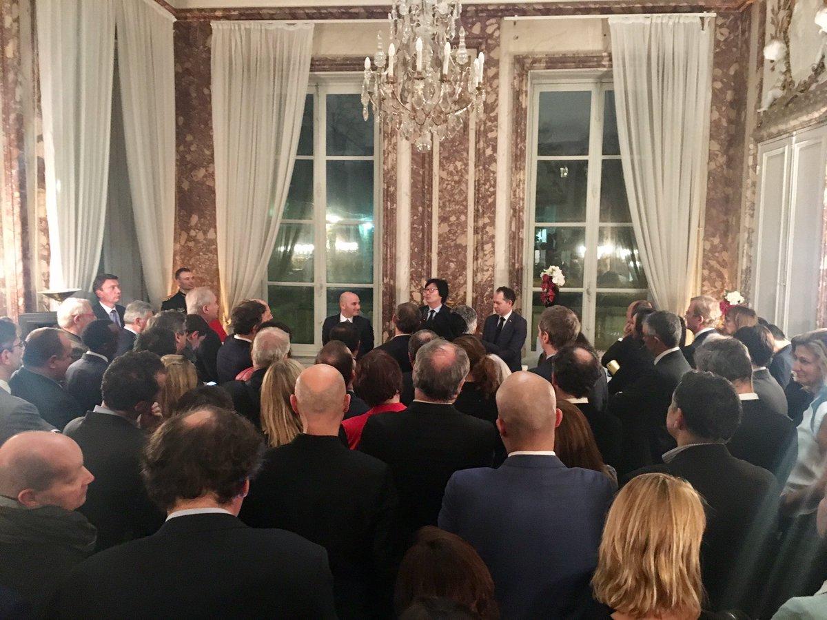 Cérémonie #remise #ONM @fabrice_morenon par M. Le Ministre @JVPlace @SNCF @AccentureFrance #amitiés #souvenirs #cabinet #ministériel<br>http://pic.twitter.com/dSQjO4ah2y