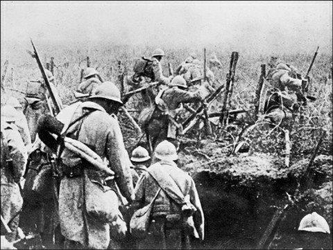 Il y&#39;a 101 ans jour pour jour débutait la bataille de #Verdun! Gloire et honneur à nos aïeux! <br>http://pic.twitter.com/rGGwlS8cPR