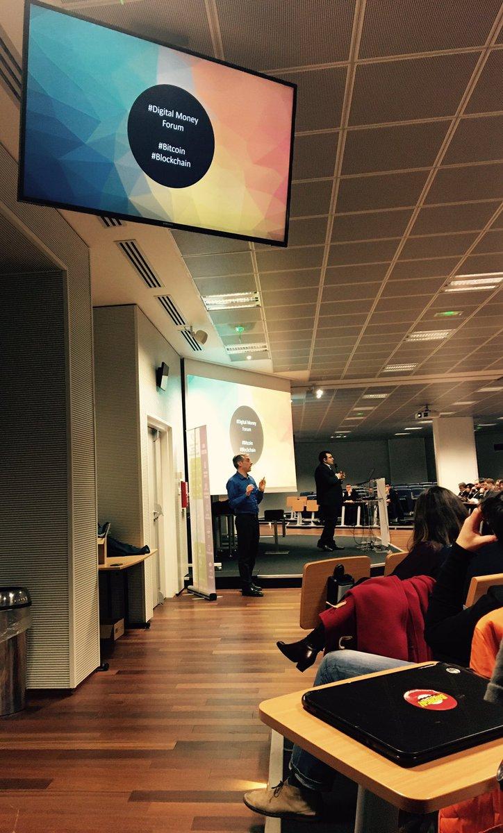 L&#39;un des sujets favoris de Vidal arrive ! Toujours aussi passionné ! #DigitalMoney #Bitcoin #Blockchain<br>http://pic.twitter.com/qcrTLY6Qsu