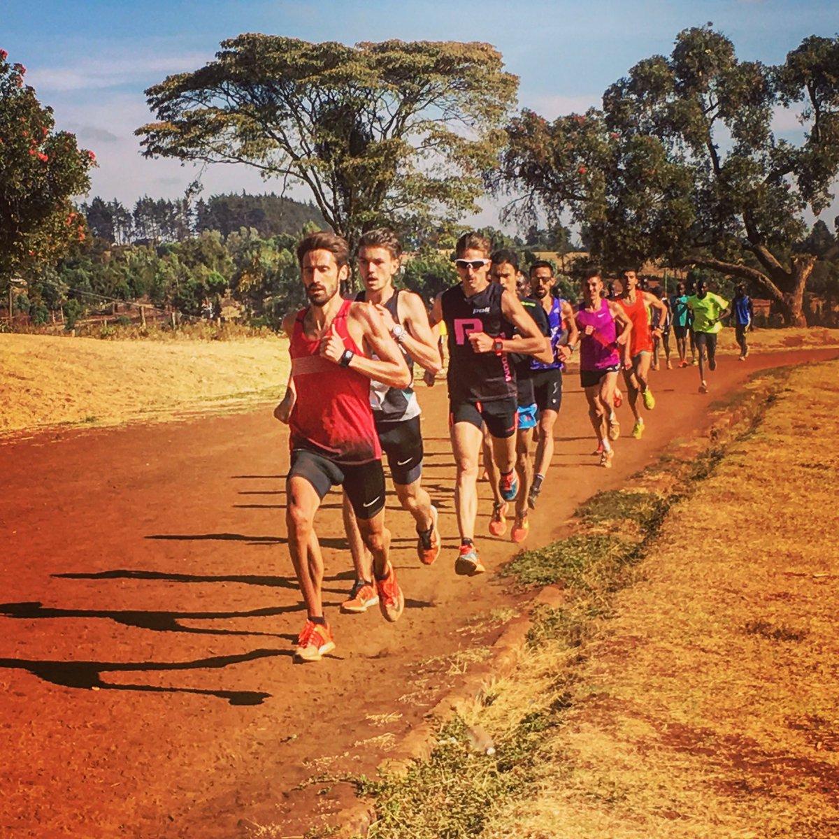 Derniere séance sur la piste mythique du Kamariny! Le kenya va me manquer. Retour en France dans 2jours. #athle #marathon #training #kenya<br>http://pic.twitter.com/DBhdT0rgme