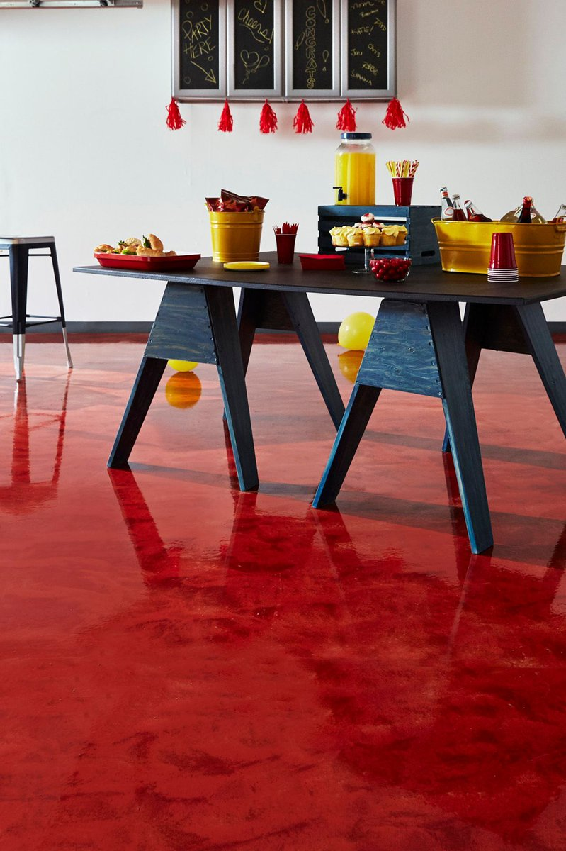 RockSolid #Garage Floor Coating Creates Party-Ready Space  http:// buff.ly/2k5Miug  &nbsp;   #homeimprovement <br>http://pic.twitter.com/Bu4pNEwkMg