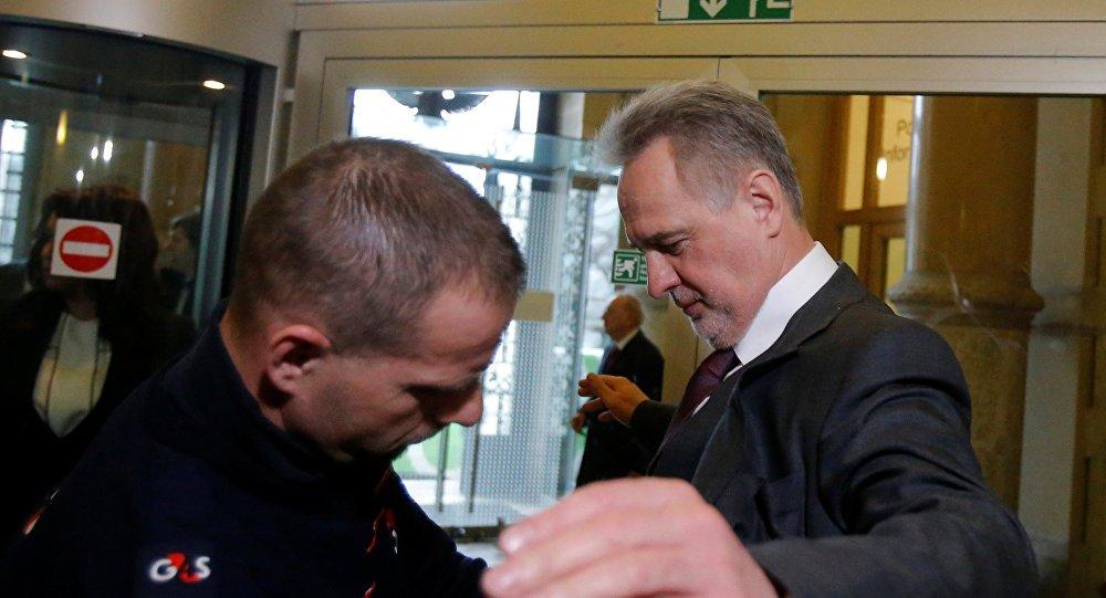 Arrestado el multimillonario ucraniano Firtash en #Viena  http:// sptnkne.ws/dBjq  &nbsp;  <br>http://pic.twitter.com/io6x0bqwiB