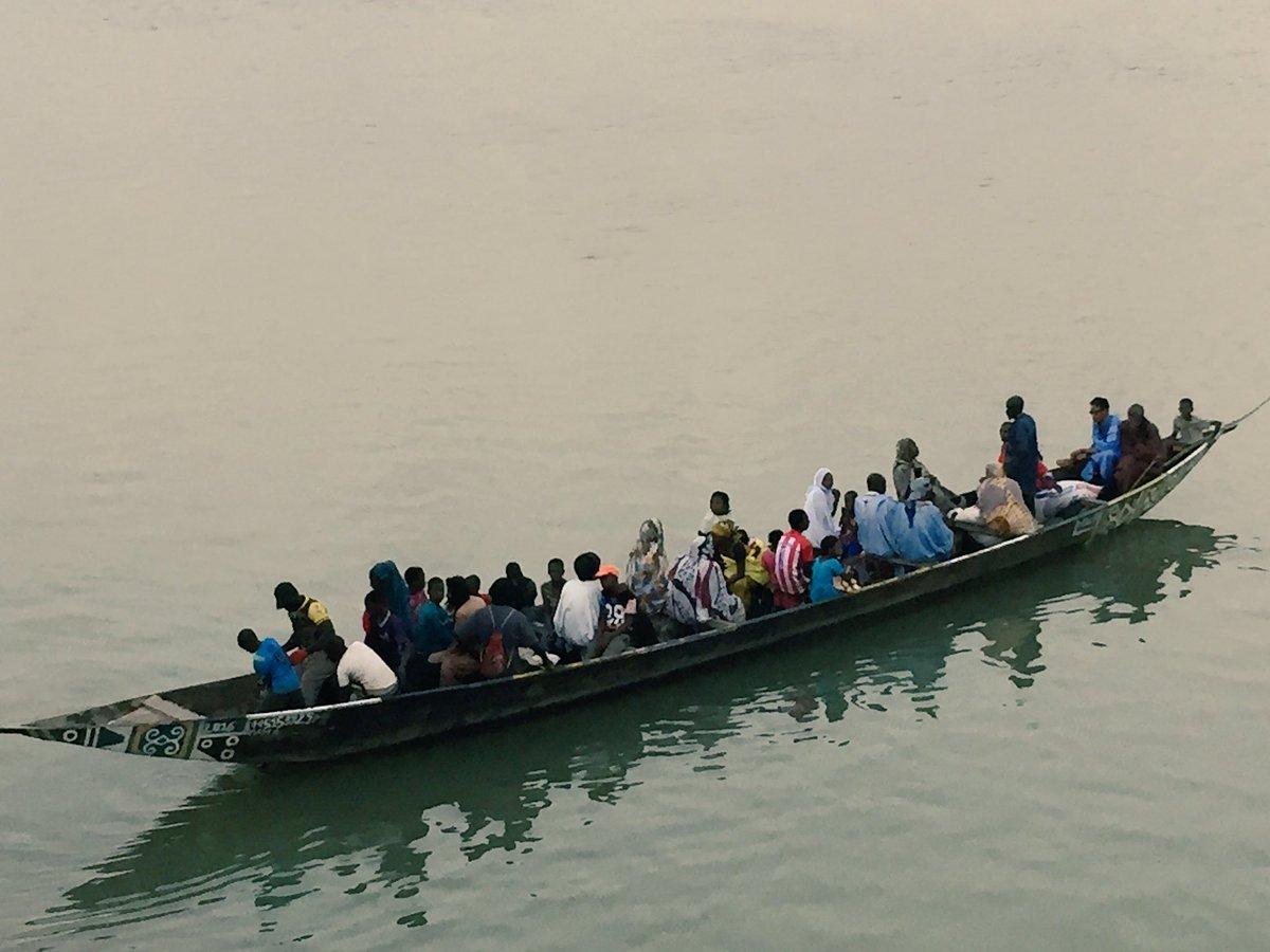 @La_drome #solidaire sur les bords du fleuve #Sénégal @SauvonsLeau @patricklabaune #climatechange <br>http://pic.twitter.com/8Qw7rEAYeE