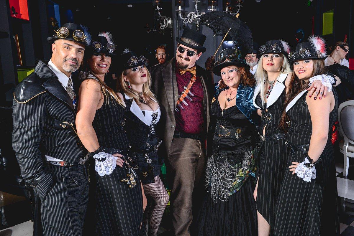 #Cosplay Awesome of the Day: The Millennium Fandom Bar's annual #Steampunk Ball via @FandomBarLV #SamaCosplay