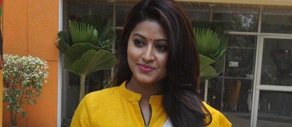 #From the desk of Actress Sneha  http://www. cinewriters.com/desk-actress-s neha/ &nbsp; …  #thala #ajith #vijay #suriya #dhanush #str #kollywood #tamilcinema<br>http://pic.twitter.com/hCdvVWrzsX